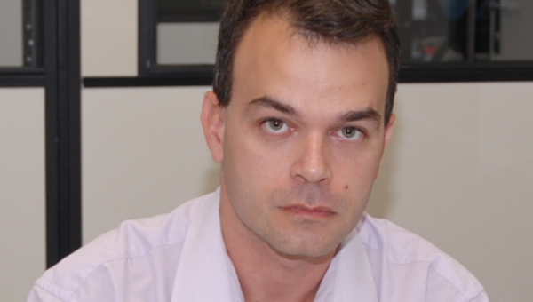 Professor Gustavo de Moraes é reconhecido como economista do ano