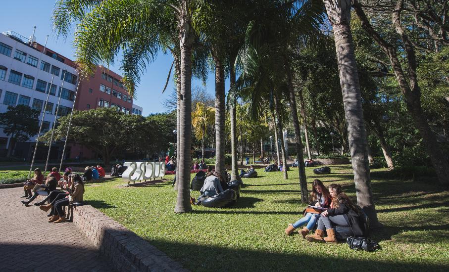 Alunos, Campus, gramado, sol