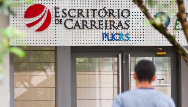 Escritório de Carreiras oferece capacitações gratuitas