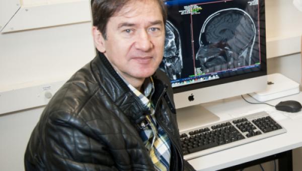 Neurocirurgião lidera estudo internacional de cirurgia da epilepsia
