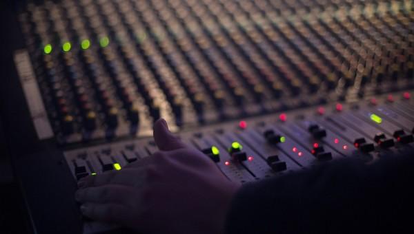 Curso de especialização em produção musical está com inscrições abertas
