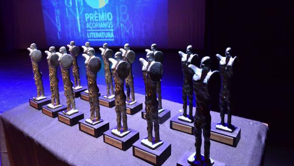 Delfos, doutorando e diplomado conquistam Prêmio Açorianos de Literatura