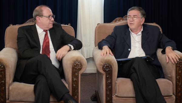 Reitor e vice da Católica de El Salvador conhecem a PUCRS