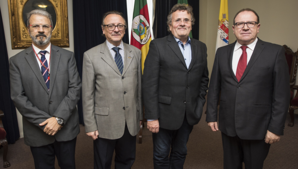 Reitoria recebe dirigente do Instituto Max Planck