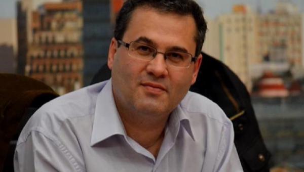 Candidato ao Piratini, Roberto Robaina participa de entrevista na PUCRS