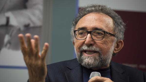 Ronaldo Correia de Brito ministra palestras e lança Dora sem Véu