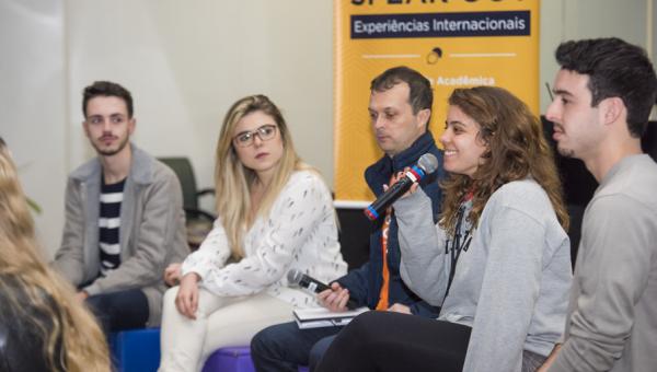Estudantes apresentam suas experiências em mobilidade acadêmica