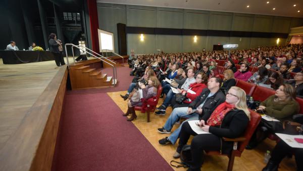 Seminário aborda atenção e prevenção de casos de suicídio
