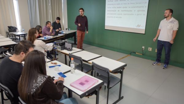 Em oficina, alunos narram suas experiências em Iniciação Científica