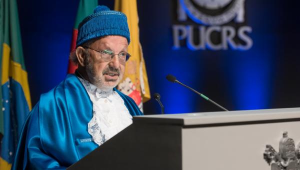 Miguel Ángel Zabalza Beraza é Doutor Honoris Causa