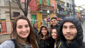 Programa Amigo Universitário abre vagas para acolher colegas internacionais