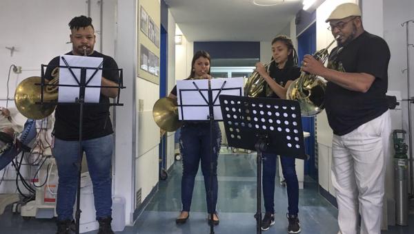 Quarteto de Tubas da Ospa participa do Mês das Crianças no Hospital São Lucas