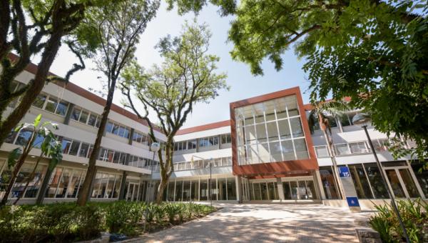 Um prédio inovador para ensino, convivência e bem-estar