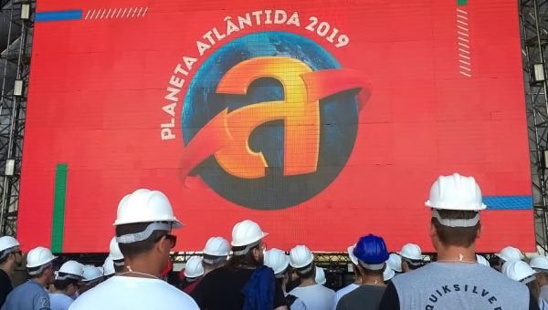 Estudantes do MasterClass Planeta Atlântida conhecem estrutura do festival