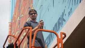 Minidocumentário da Famecos apresenta graffiti de Kelvin Koubik na Rua da Cultura