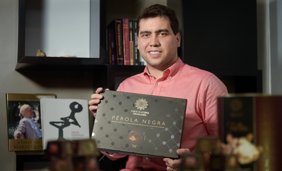 Christian Neugebauer é tataraneto de um dos criadores da primeira fábrica de chocolates do Brasil | Foto: Bruno Todeschini