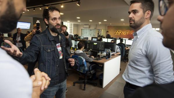 Governador Eduardo Leite conhece empresas do Tecnopuc