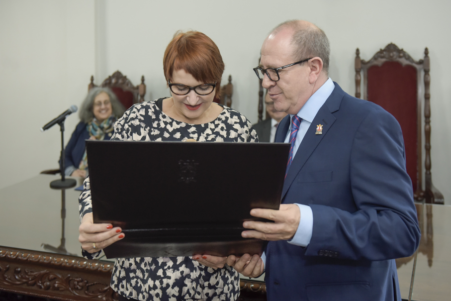 Mérito Universitário, Martina Schulze, DAAD, Alemanha