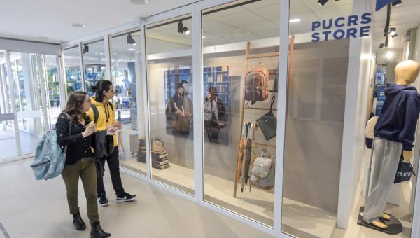 PUCRS Store: um novo conceito de loja com a marca da Universidade