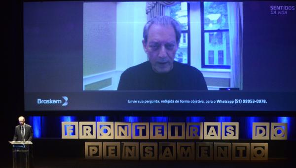 Paul Auster avalia efeitos da revolução digital no Fronteiras do Pensamento
