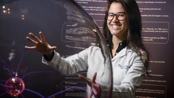 Mestranda participa de encontro com ganhadores do Nobel de Física