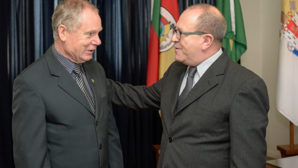 Reitor recebe Juiz-presidente do Tribunal de Justiça Militar