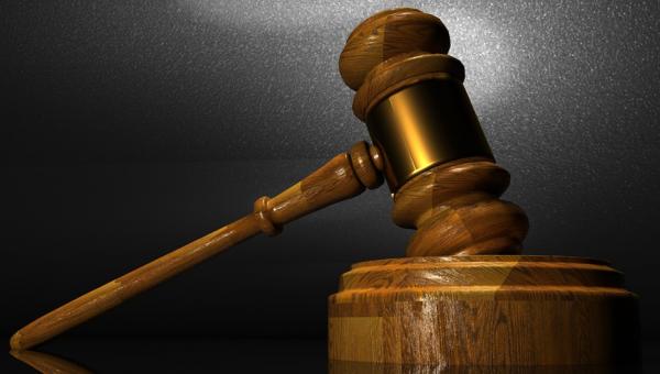 Sessão de julgamento marca dez anos da parceria entre Escola de Direito e TARF