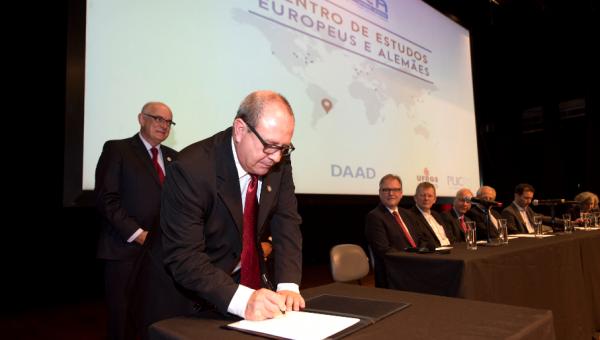 Inaugurado primeiro Centro de Estudos Europeus e Alemães da América Latina