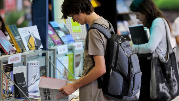 Feira Universitária e Semana do Livro