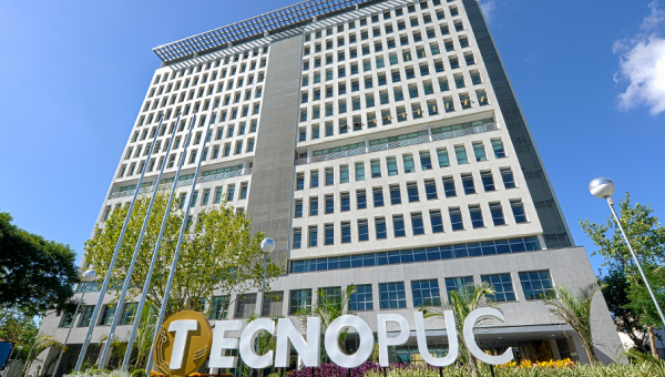 Tecnopuc opens its doors for international students
