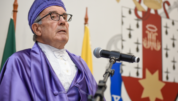 Ludger Honnefelder awarded Honorary degree from PUCRS