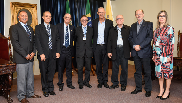 Embassy of Israel visits PUCRS to learn about research projects
