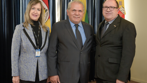 Consul General of Paraguay visits PUCRS