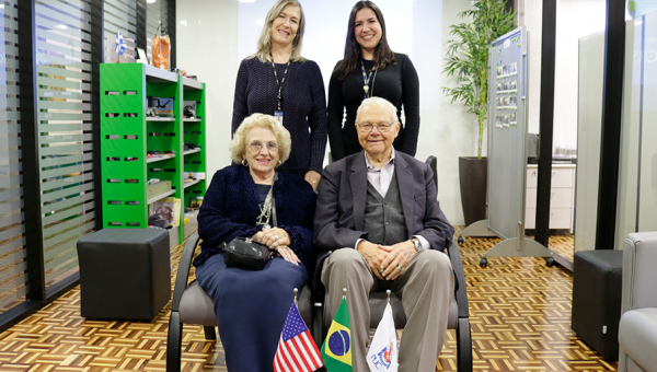 American journalist and writer Gary Neeleman pays PUCRS a visit