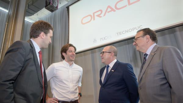 Tecnopuc opens its doors to Oracle