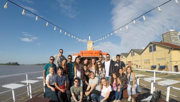 International students go on traditional boat trip