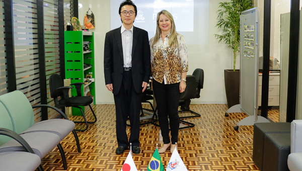 Japanese Consul visits PUCRS facilities