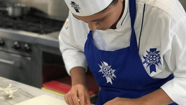 PUCRS student is in mobility program at Le Cordon Bleu