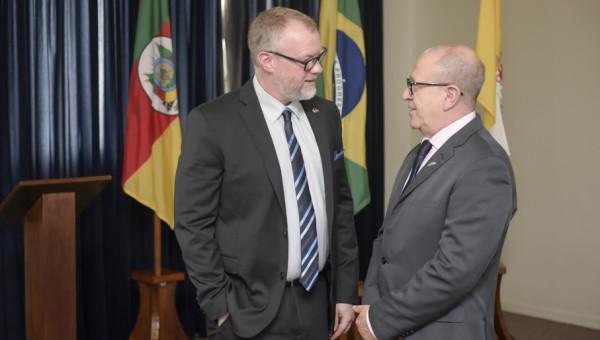 President of Concordia University of Edmonton visits PUCRS