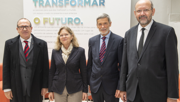 Austrian Ambassador learns about PUCRS' renewable energy projects