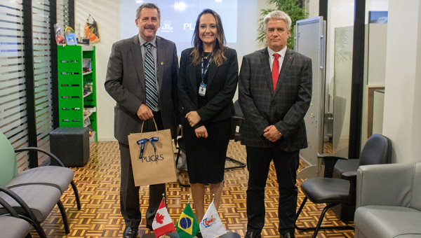 Canadian Consul discusses cooperation possibilities with PUCRS