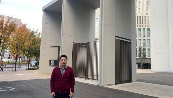 Business School Professor conducts research in Japan